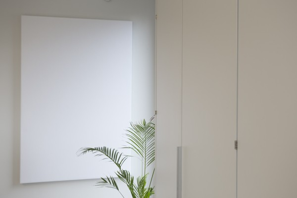 Made in Oost-Vlaanderen over afwasbare panelen en schermen van COUST